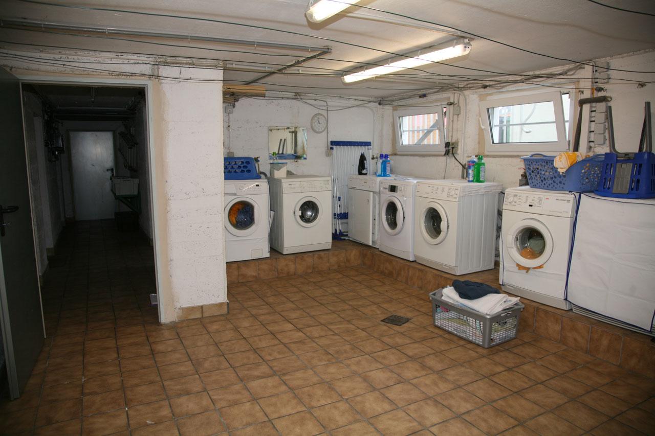 ... zur Verfügung, als Single-Wohnung, 2er- oder 3er-Wohngemeinschaft