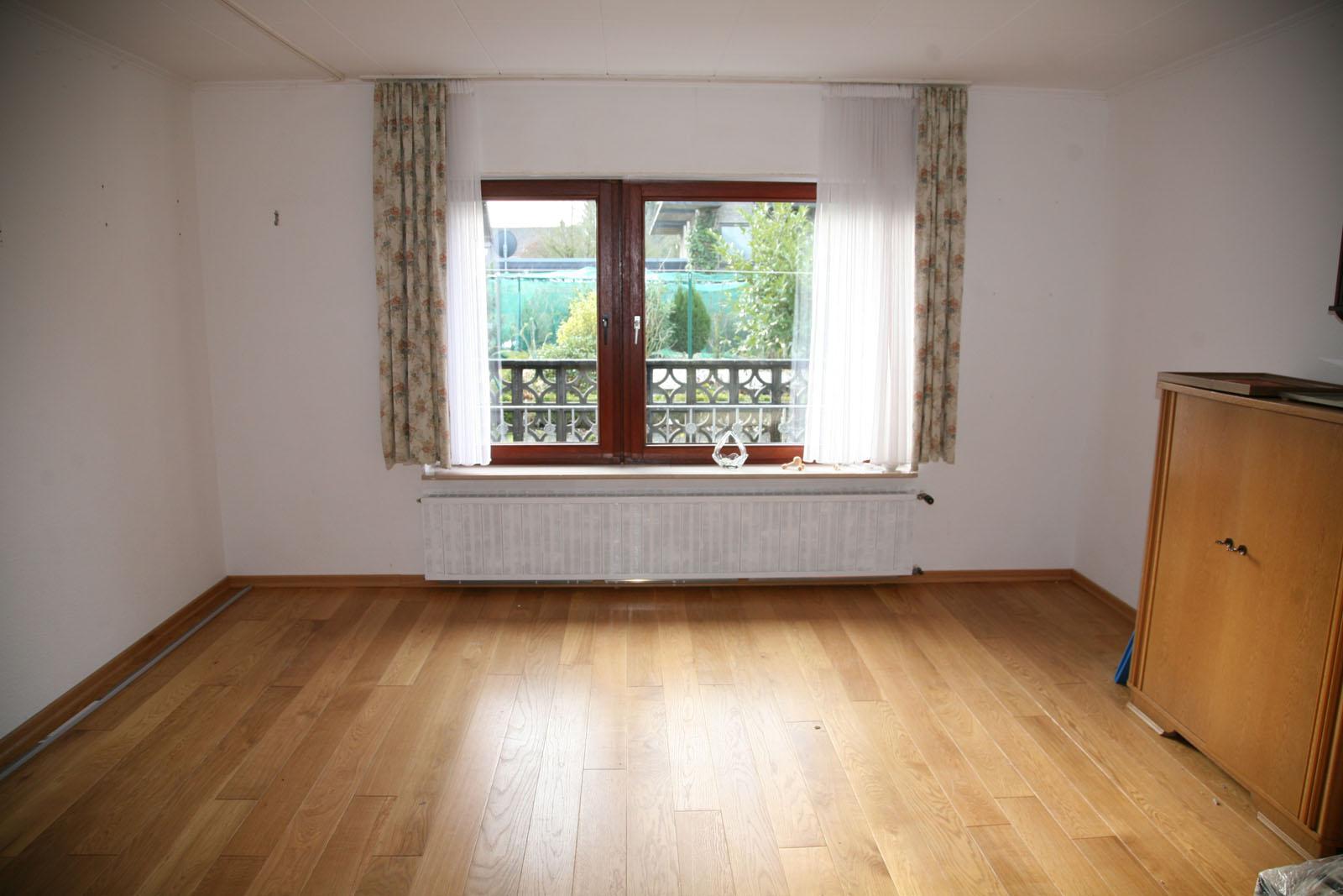 80 286 bungalow in uedem. Black Bedroom Furniture Sets. Home Design Ideas