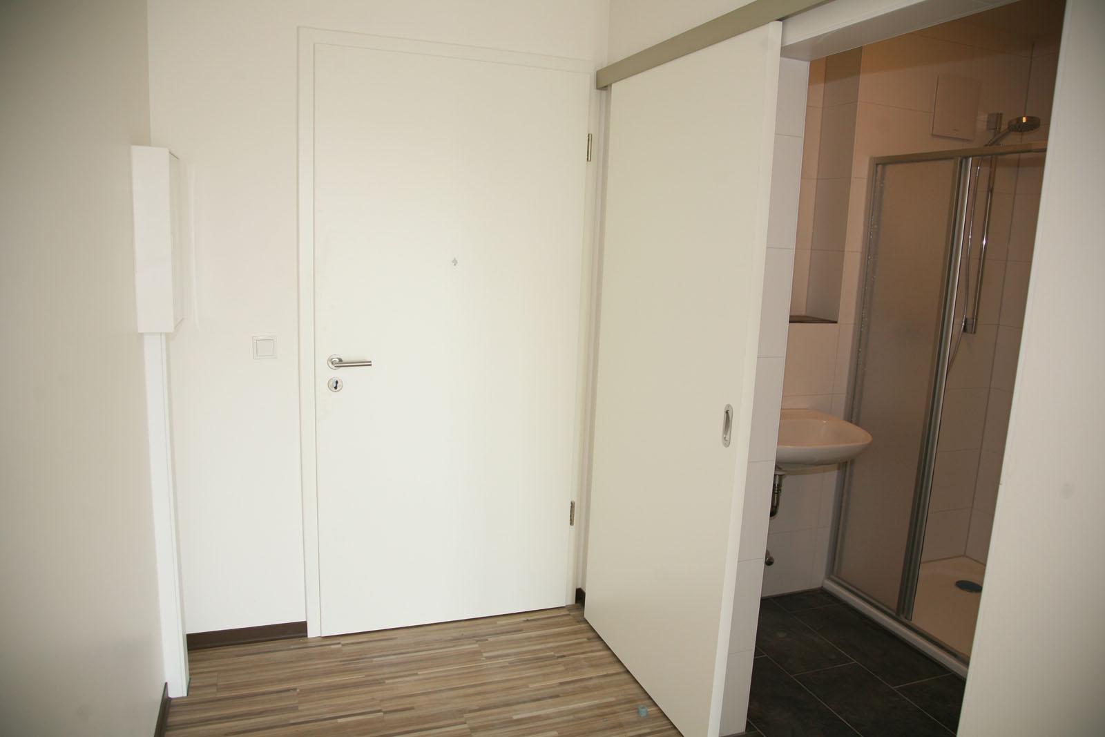 80 001. Black Bedroom Furniture Sets. Home Design Ideas